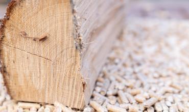 Chauffage poêle à granulés de bois : quels avantages pour chauffer sa maison ?